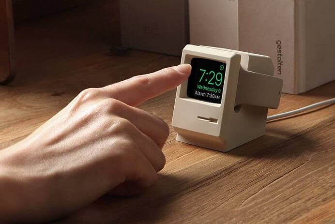 Apple Watch Stand in Retro Macintosh Style